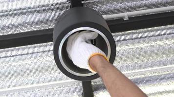 mude a lâmpada fluorescente para lâmpada led.