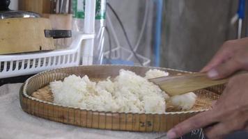 arroz pegajoso quente video