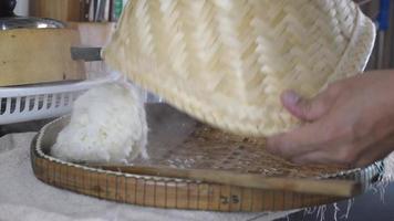 arroz pegajoso quente