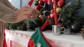 bota de navidad en la chimenea