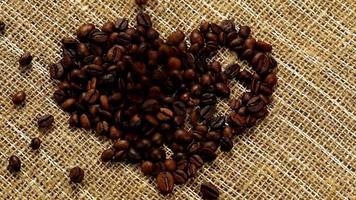 coração de grãos de café