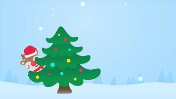 Cartoon Santa und Freunde helfen sich gegenseitig, den Weihnachtsbaum mit Weihnachtskugeln und Sternen zu schmücken, die während eines schneereichen Winters leuchten.