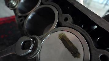 reparación del bloque de cilindros del coche video