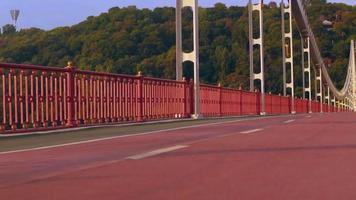 Trenes de jogger irreconocibles al aire libre video