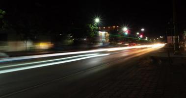 lapso de tiempo de la carretera nocturna