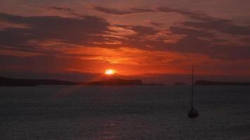 malerischer Sonnenuntergang auf der Insel Ibiza video