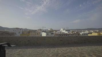 spanien, ibiza stadt langsamer gleitschuss video