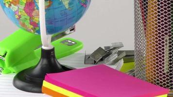 escola e ferramentas de escritório