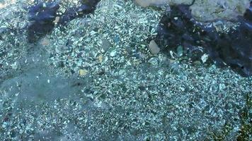 pedras no fundo do mar