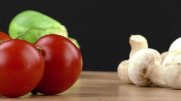 verduras frescas en un conjunto video