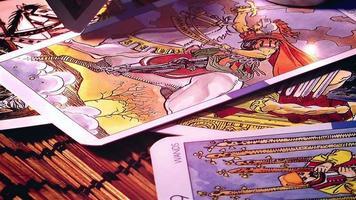 cartas de tarô místicas video