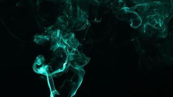 color aguamarina de la propagación del humo video