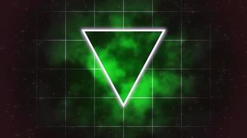 triángulo y cuadrícula verde