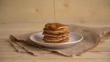 Pancake with honey