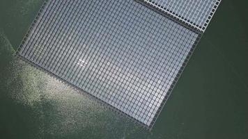 granja solar flotante video