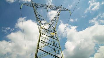 poste elétrico de alta tensão