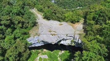 volando sobre el puente de veja - ponte di veja video