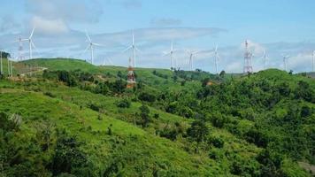 turbinas eólicas en tailandia video