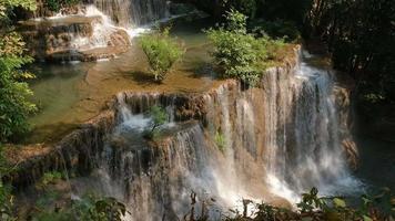 huay mae kamin waterfall na província de kanchanaburi, tailândia video