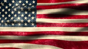 Eine abgenutzte amerikanische Flagge weht im Wind