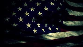 eine alte, abgenutzte amerikanische Flagge