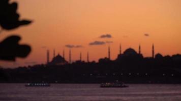 la hagia sophia et les silhouettes de la mosquée bleue