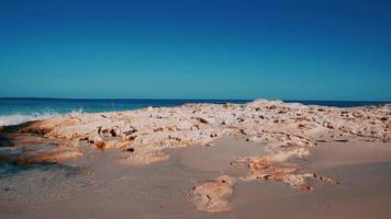 Baleareninsel Formentera felsige Küste video