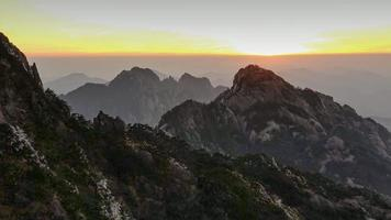 gelbe Berge (Huangshan) in China video