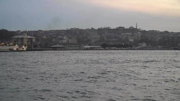 barcos para transporte público en estambul video