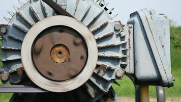 Conjunto de máquina de motor dinamo funcionando video