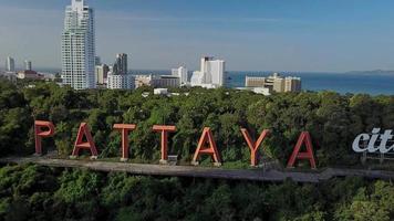 Sinal da cidade de Pattaya famoso marco