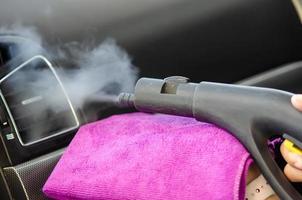 limpiar el aire acondicionado de un coche