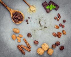 ingredientes de postre en hormigón foto