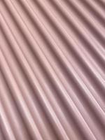 chapa ondulada pintada en rosa foto