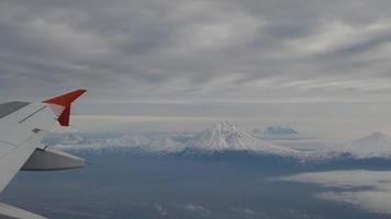 vuelo sobre los volcanes de kamchatka video