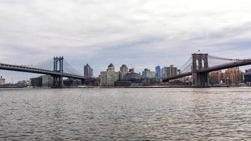 Vista de Manhattan y el puente de Brooklyn desde Manhattan foto