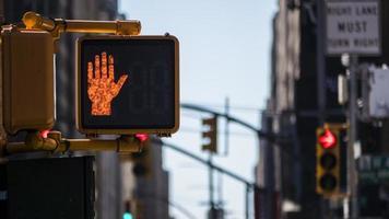 No crossing light sign