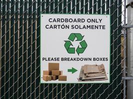 signo de reciclaje de cartón