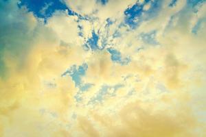 fondo de nubes vintage