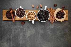 concepto de grano de café tostado foto