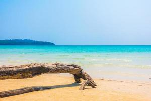 playa tropical en tailandia foto