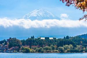 paisaje alrededor del monte. fuji en japón en otoño