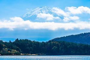 paisaje en mt. fuji en japón en otoño