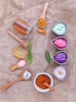 vista superior de artículos alternativos para el cuidado de la piel foto