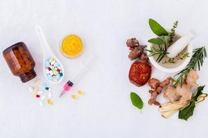 medicina herbal vs medicina química foto