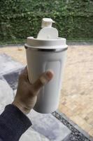 taza de viaje personal blanca