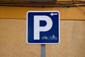 Señal de tráfico de bicicletas en la ciudad de Bilbao, España