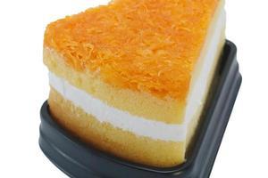 Foy thong chiffon cake aislado sobre fondo blanco.