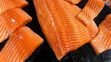filete de salmón fresco crudo