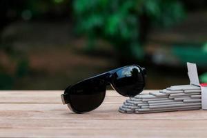Optical filtering glasses for welding